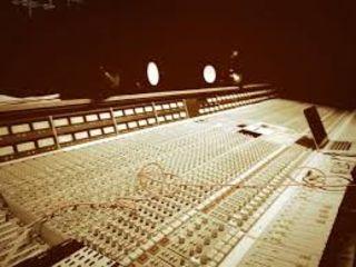 Rihanna planche sur un nouvel album