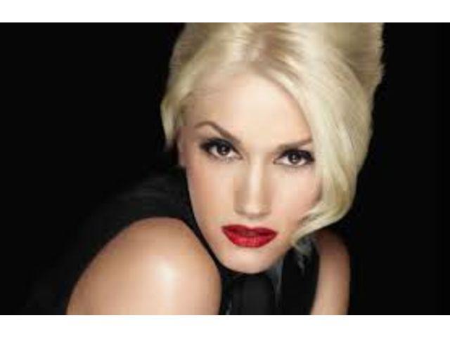 """Gwen Stefani aérienne dans """"Start A War"""""""