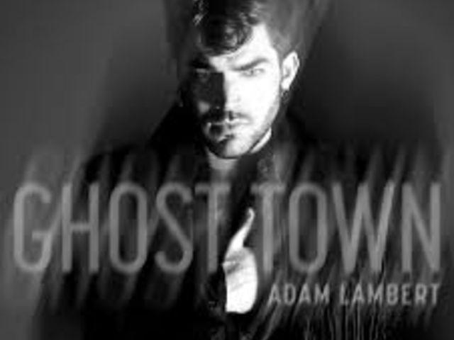 "Adam Lambert rafraîchissant dans ""Ghost Town"""