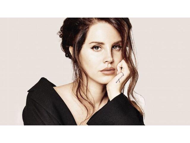 "Lana Del Rey planante dans ""Life is Beautiful"""