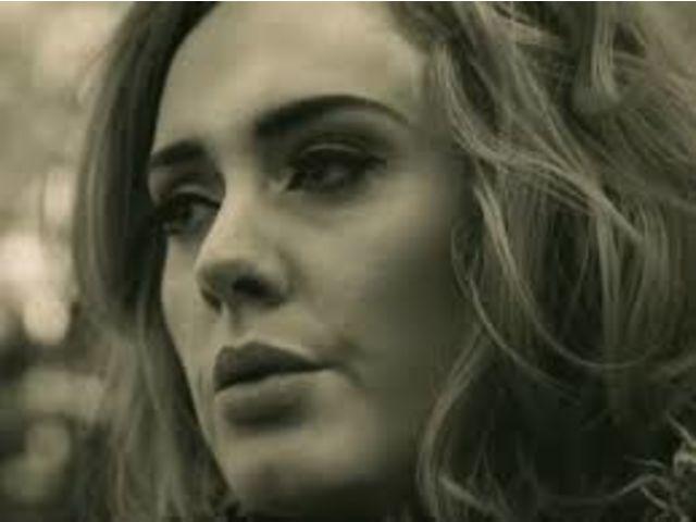 "Adele affole les compteurs avec ""Hello"""