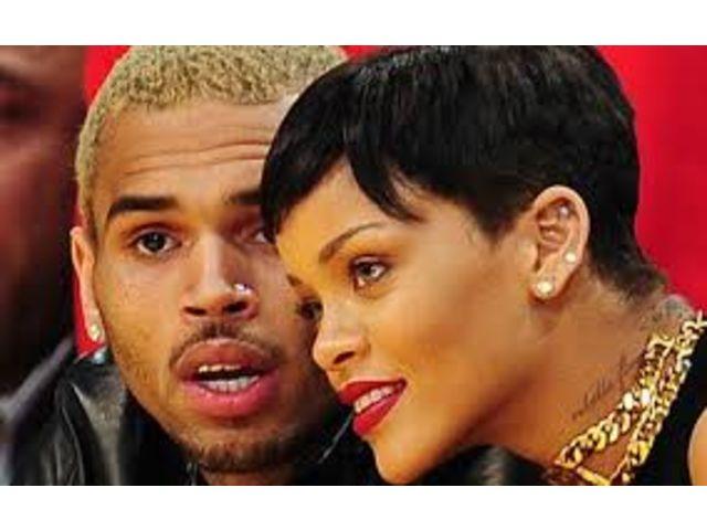 """Chris Brown et Rihanna à nouveau réunis sur """"Counterfeit"""""""