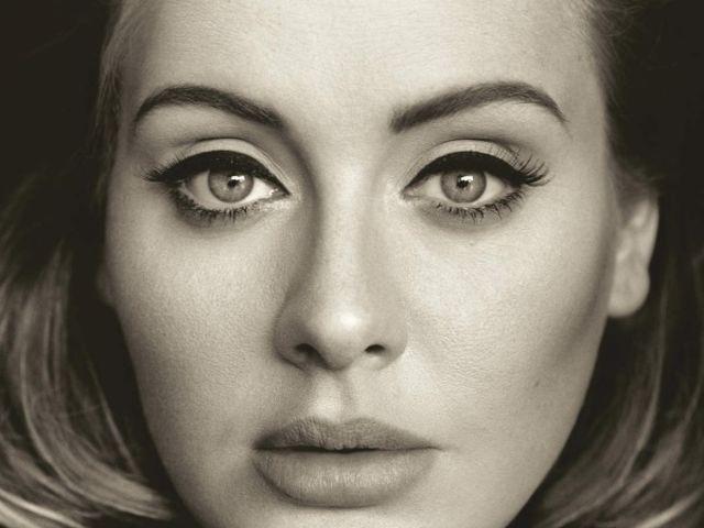 """Avec """"25"""", Adele poursuit le décompte de sa gloire pop"""